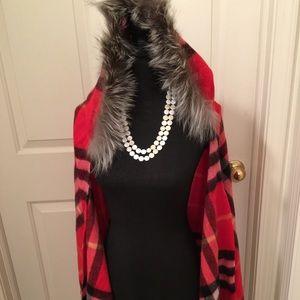 🆕 💯WOOL RED/BLACK PLAID HOODED TRIM FUR CAPE